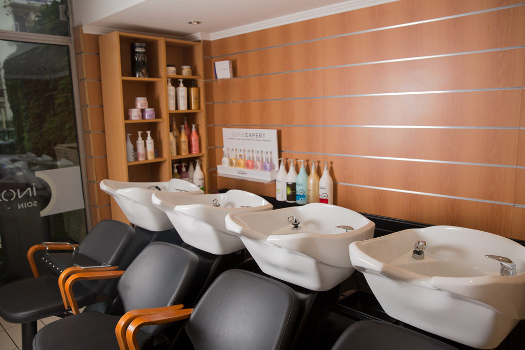 Anyline - photo bacs à shampoings
